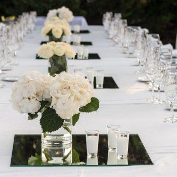 Mesa en el Jardín Lateral